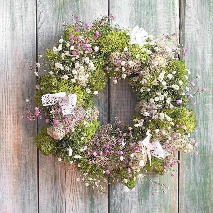 Wreath from moss and flowers