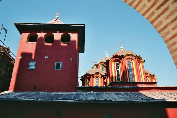 Άποψη σκέπης του καθολικού (Ιερά Μονή Παντοκράτορος, Άγιο Όρος) - View of the roof of the katholikon (Holy Monastery of Pantokrator, Mount Athos)