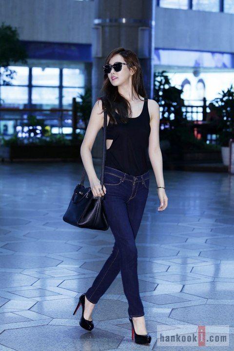"Lee Da-Hae 이다해 at Kuala Lumpur.  Kim JoonKuk(38) said""nothing problem""  #taichi What a magnificient kick by Ms Lee.gambate. Iris 2 is 83%"