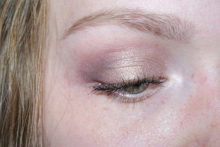Make-up Look, Sleek Vintage Romance