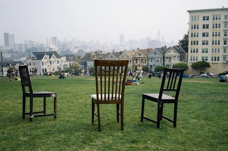 2017-09 Three chairs Alamo Square Park San Francisco . . . . . #toptravelspot #sanfrancisco #california #usa #alamosquarepark #chairs #locationindependent #travel #traveling #instantraveling #instatraveling #travelphotography #sonyalpha
