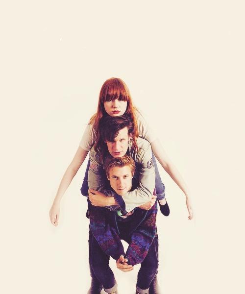 Matt Smith, Karen Gillan and Arthur Darvill for an ENTERTAINMENT magazine shoot<<  :3