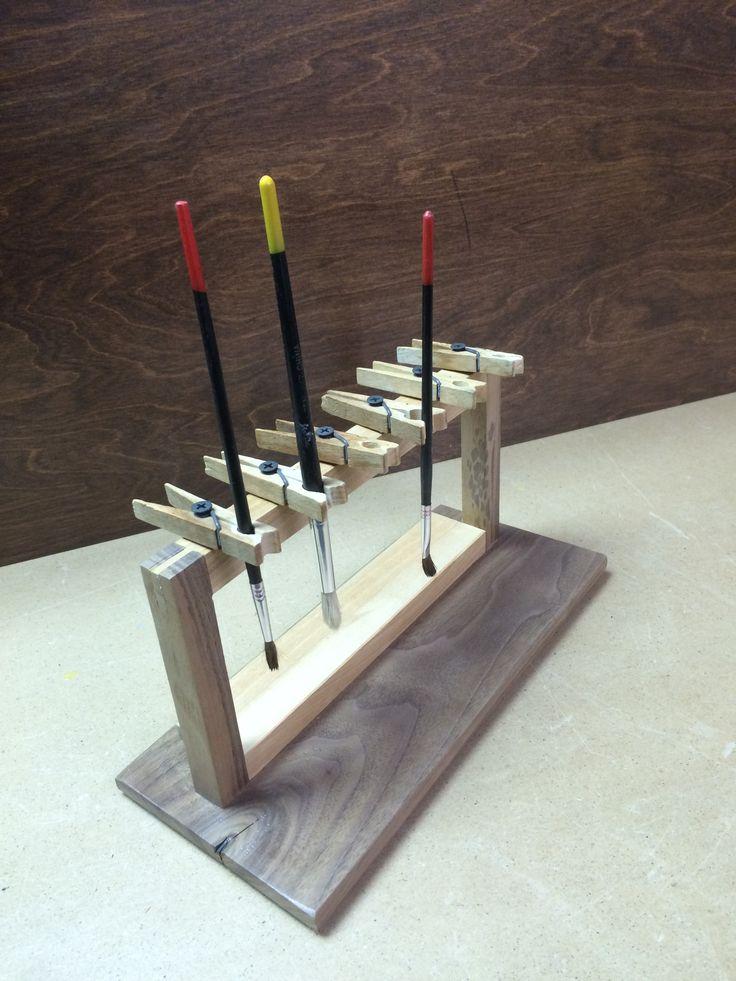 Wooden Paint Brush Holder - Érable et noyer                                                                                                                                                                                 More