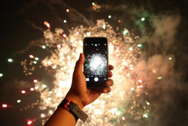 Fourth of July is all about fireworks, so check out this cool app that lets you create your own virtual fireworks shows.