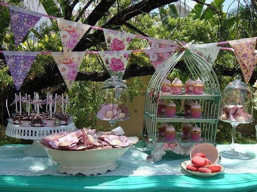 Three tier cupcake stand with a wonderful intricate birdcage design. The perfect accessory to display delicious cupcake and pastries at your afternoon tea party