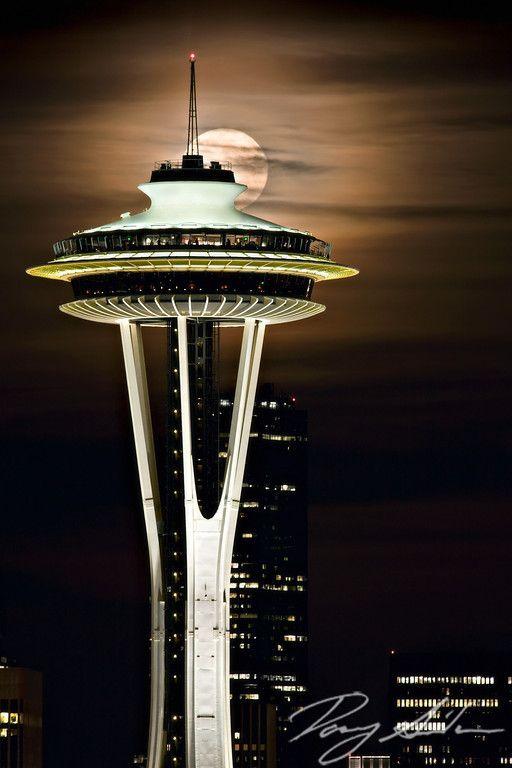 The Lunar Solstice Moonrise, Needle, Seattle, Washington, USA