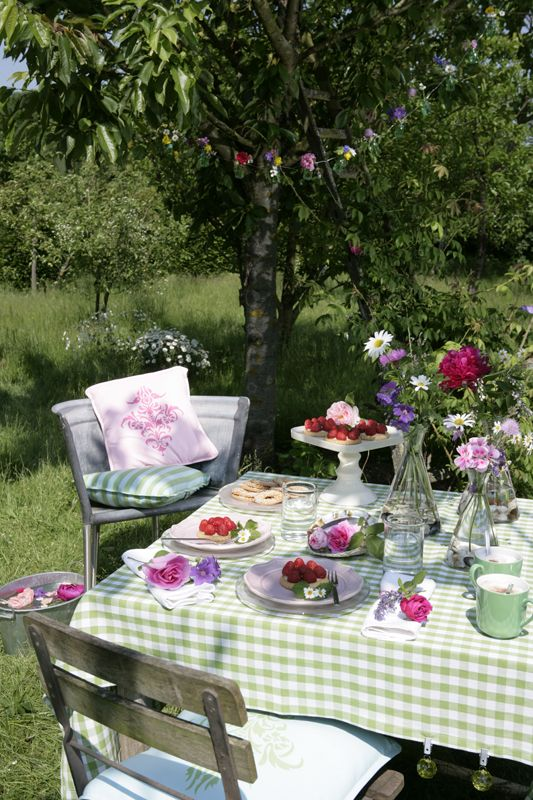 Simple Picknick im Garten Gartenzauber