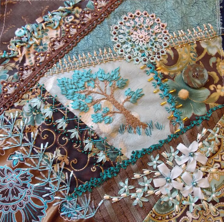 Awesome!   by Susan Shufelt. http://thebeadedneedle.blogspot.com/