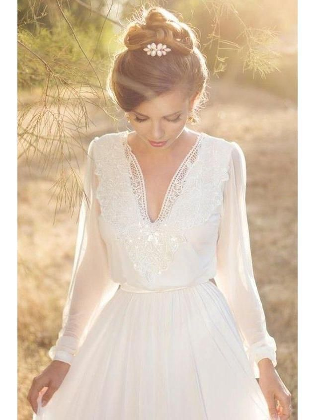 Floor length long sleeve country wedding dresses.Backless v neck modest beach we…