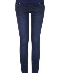 Jeans For Tall Women With Super Model Legs - Pretty Long
