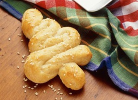 Tree Shaped Breadsticks: Christmas Food, Christmas Dinners Recipe, Holidays Cottages, Cottages Christmas, Treeshap Breadsticks, Dinners Parties, Trees Shap Breadsticks, Christmas Trees, Breadsticks Recipe