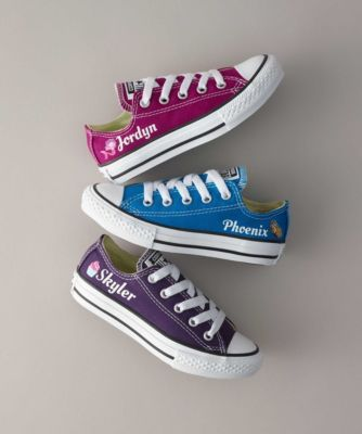 kids personalized low-Top chuck taylors