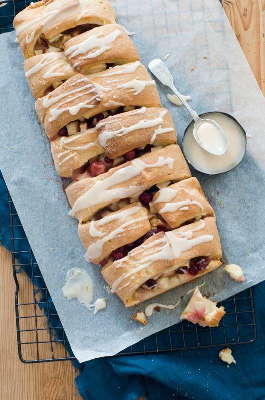 apple cranberry yeast cake