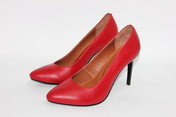 Красные кожаные туфли-лодочки