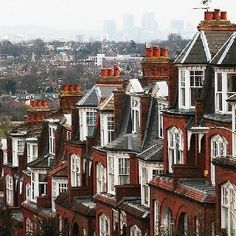 Muswell Hill proudly stands between Alexandra Palace & Highgate Woods in the green and leafy borough of Haringey and its high position means it commands far reaching views across the capital. With a bustling Broadway, red brick Edwardian housing, this is one of the most sought after suburbs in north London.