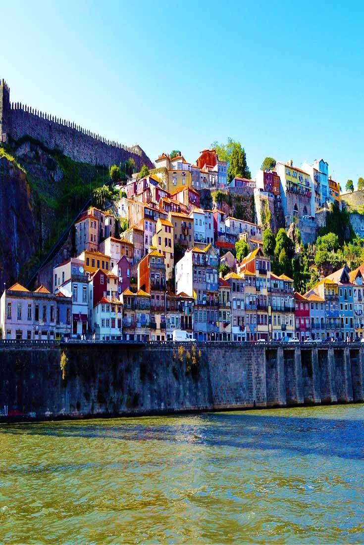 .~Rio Duoro in Porto, Portugal~.