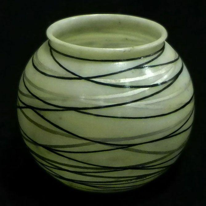 Black & Silver Waves Pot on Wanelo