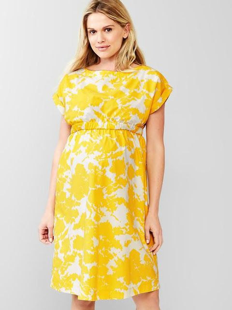Maternity style on a budget | yellow floral Gap maternity dress