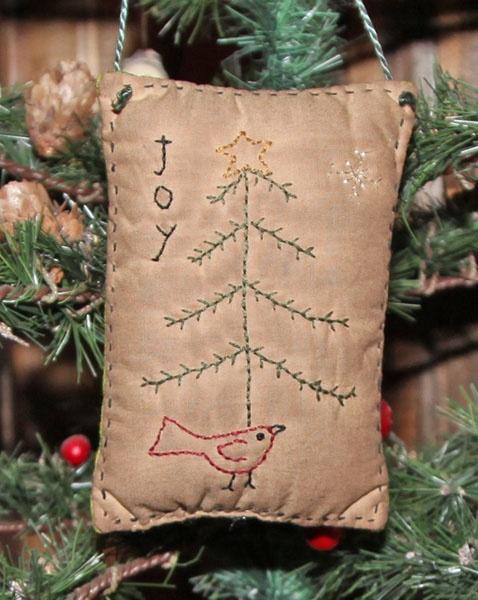 Primitive Christmas Stitchery with Free Pattern...