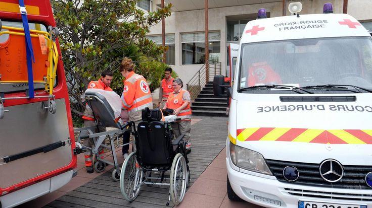 Grippe : une enquête ouverte après la mort de 13 personnes âgées dans une maison de retraite à Lyon Le ministère de la Santé a annoncé samedi soir l'ouverture d'une enquête après la mort, en quinze jours, de 13 personnes âgées dans la maison de retraite Korian Berthelot à Lyon.