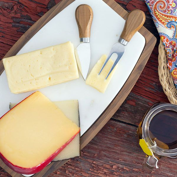 Having a picnic this summer (at the beach, lake or otherwise)? We've taken some of the guesswork out of matching wine-with-cheese for you!