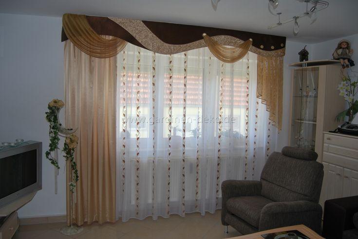 Klassischer Wohnzimmer Vorhang mit verschiedenen Schals und - gardinen modern wohnzimmer braun