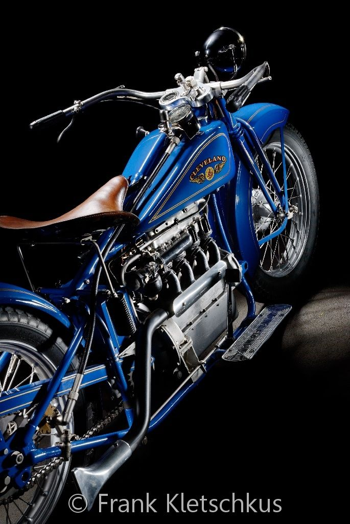 ♂ Blue motorcycle details #ecogentleman #automotive #transportation #wheels