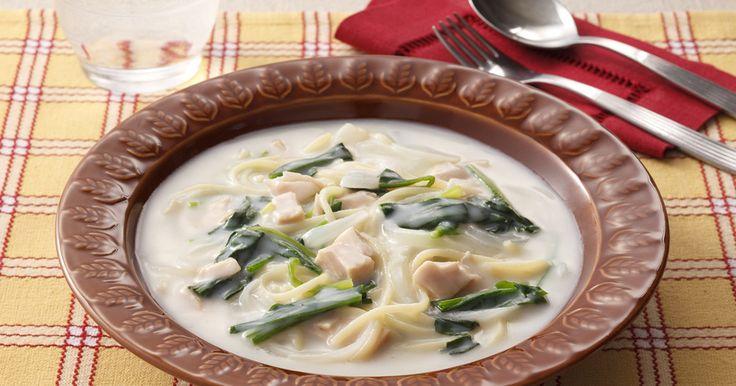 ツナとほうれん草がシチューの味わいにマッチしたスープパスタです。