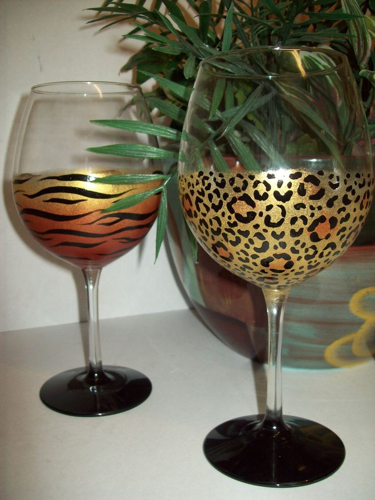 Shimmery animal print wine glasses. Love these!! Would love to paint these myself:)