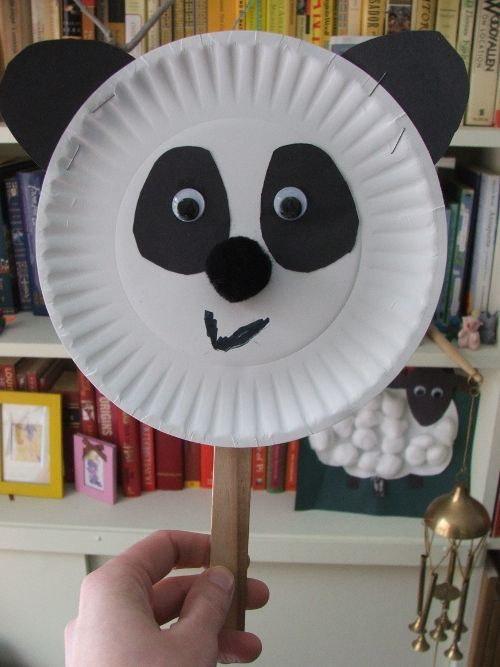 Easy and cute panda craft to make on Earth Day. Panda is an endangered animal.