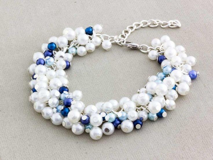 3990,- Bubble tekla gyöngyös kék és fehér matróz karkötő