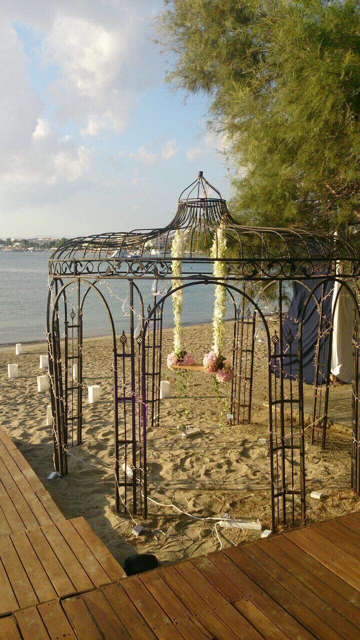 Ανθοστολισμός γάμου - βάφτισης στο #Balux #lesfleuristes #λουλούδια #ανθοσύνθεση #ανθοπωλείο #γλυφάδα #γάμος #βάφτιση #νύφη #δεξίωση