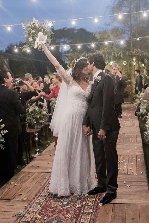 Confira o casamento completo de Anna Carolina e João no EuAmoCasamento.com! #euamocasamento #NoivasRio Foto de Marina Fava Fotografia.