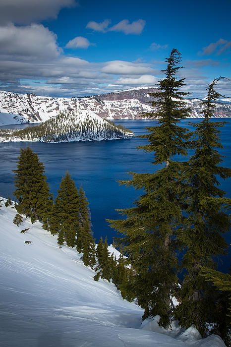 Crater Lake National Park & Wizard Island - Located in Southern Oregon