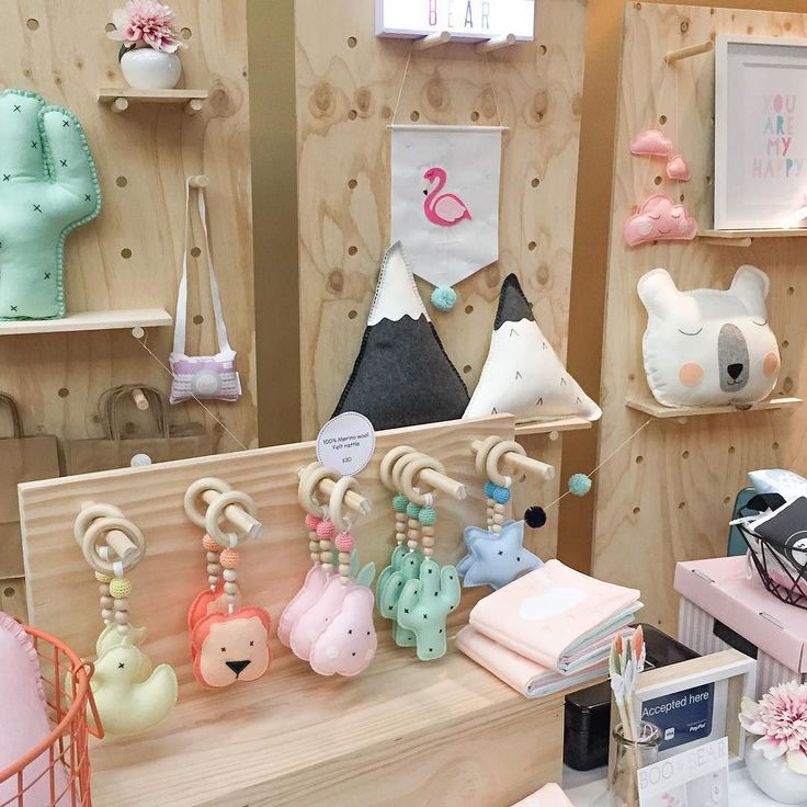 Only a few hours left to catch me at the Piccadilly Market here at the Malvern Town Hall. I will be here until 4... Lots of great stalls and some yummy food coffee and even sorbet!   @piccadillymkt #piccadillymarket #melbournemarket #booandbearbaby #kidsdecor #childrensdecor #marketstall #marketdisplay #marketstalldisplay #plywoodmarket #plywoodstand #plywoodstalls #handmade by booandbearbaby