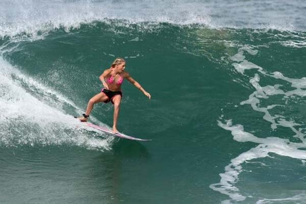 Garotas surfistas - garotas surfando | Fottus