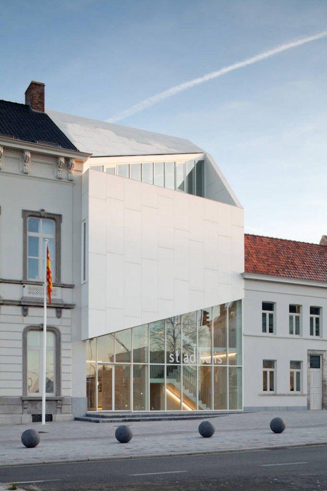 City Hall, Harelbeke, Belgium / Architect: Dehullu Architects.