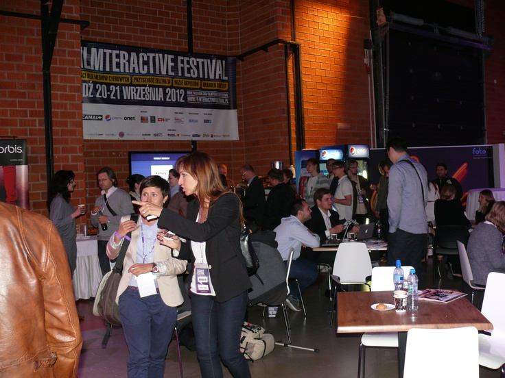 The networking area during breaks between presentations.