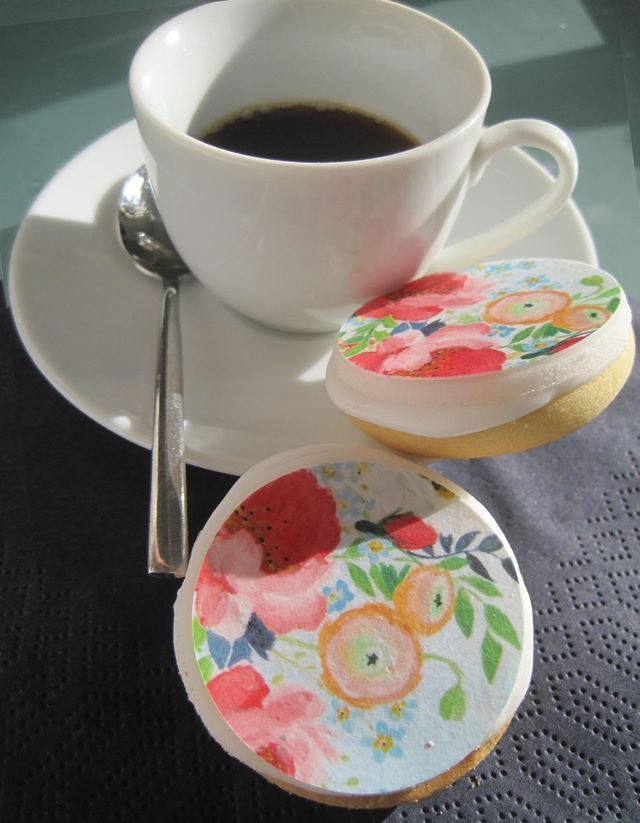 Printed lemon cookies with floral design from www.yavescakeink.de #cookielove