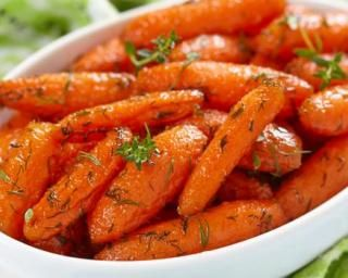 Carottes laquées à l'orange Weight Watchers - 1 PP : http://www.fourchette-et-bikini.fr/recettes/recettes-minceur/carottes-laquees-lorange-weight-watchers-1-pp.html