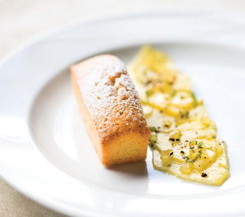 Financier Coco et Salade d'Ananas - recette sur le site Les Touilleurs (www.lestouilleurs.com). Yum ~ Epi