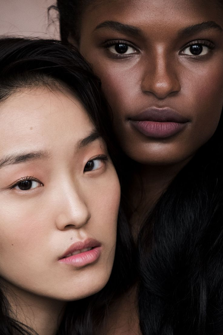 <p>The latest story from Alexander Straulino unites all colors of the spectrum </p>