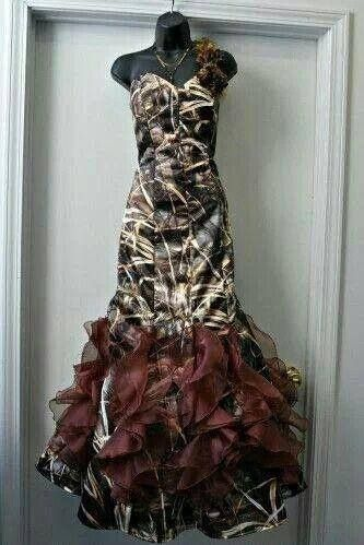 Would love to have this dress it's a cute country girl look for prom plus I love camo!!!