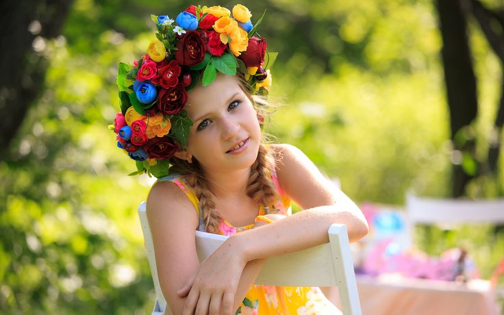 Download HD Cute girl flowers only on wbfun. Check out our Cute girl flowers and Backgrounds and download them on all your devices, Computer, Smartphone, Tablet.  #Cute_girl_flowers