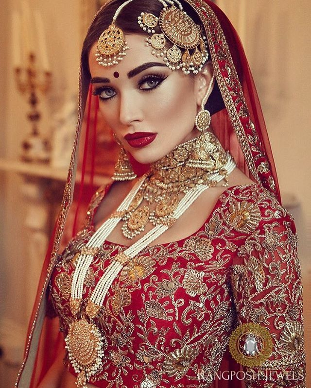 515 best queens of bollywood images on pinterest for Indian jewelry queens ny