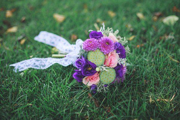 Summer purple bouquet with dahlia, lisiantus, roses, lotus flower box