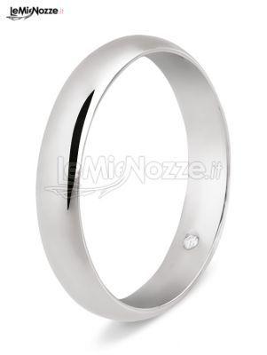 http://www.lemienozze.it/gallerie/foto-fedi-nuziali/img29753.html Fedi nuziali classiche in oro bianca con diamante