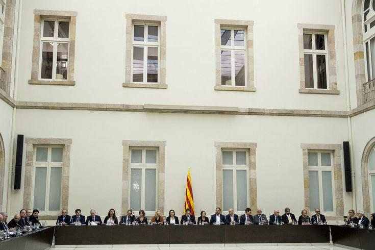 Catalan separatists gather, prepare independence vote