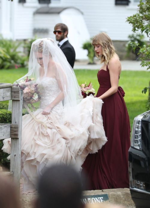 Taylor Swift at her best friend Abigail Anderson's wedding || 09.02.17 || TSWIFTDAILY