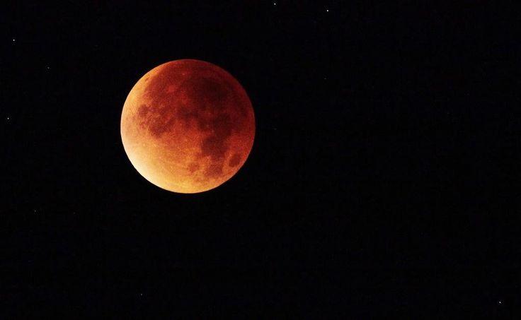 Hoy se verá la luna más grande del mes
